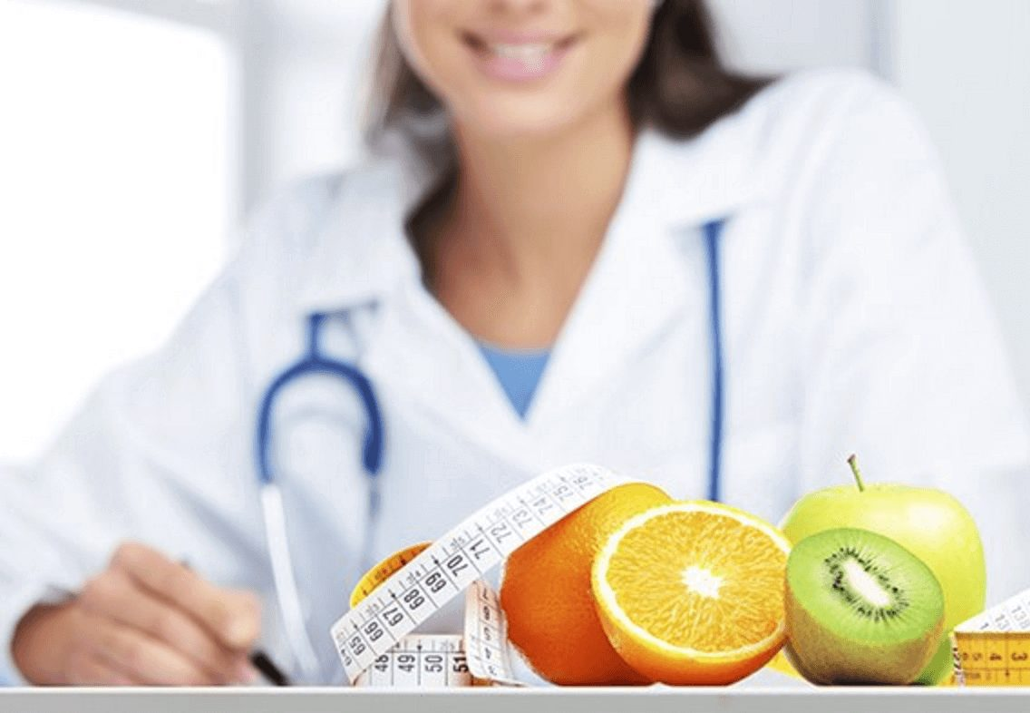 диетолог зарабатывает 100 тысяч рублей в месяц